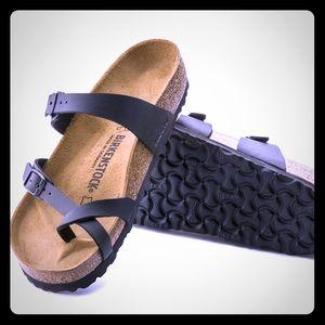 Birkenstock black leather Mayari Sandal.